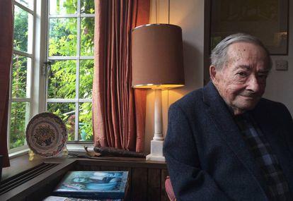George Steiner, en su casa de Cambridge (Inglaterra) en junio de 2016.
