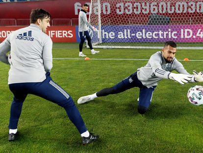 Robert Sánchez durante el entrenamiento de la selección previo al encuentro de clasificación para el mundial del 2022 que disputan este miércoles frente a Kosovo.