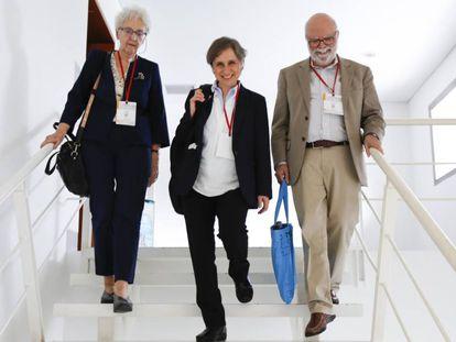 Soledad Gallego-Díaz, Carmen Aristegui y Rosental Alves en el Festival Gabo en Medellín.