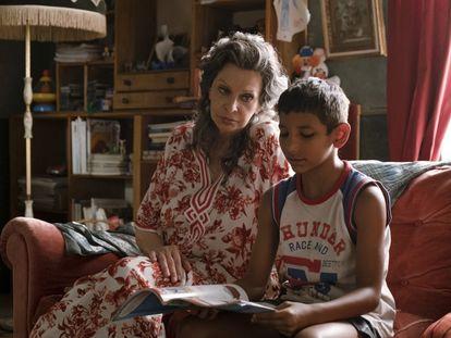 Sofia Loren y Ibrahima Gueye, en 'La vida por delante'.