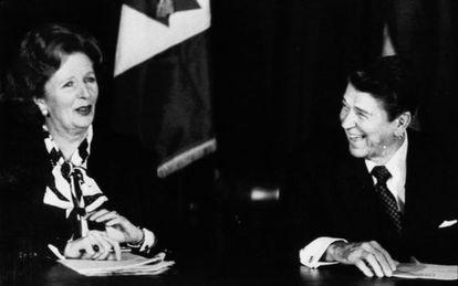 Margaret Thatcher junto a Ronald Reagan en 1985.
