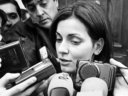 Nevenka Fernández en una de las imágenes que se ve en la serie documental de Netflix 'Nevenka'.