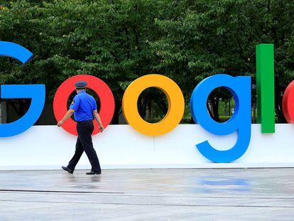 Logo de la tecnológica Google en una conferencia en China