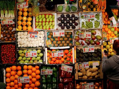 Tienda de frutas y hortalizas en Sevilla.