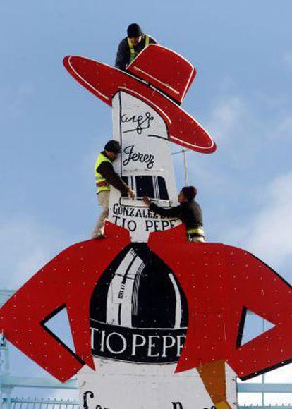 El cartel de Tío Pepe, en la Puerta del Sol, se ha convertido en un icono.