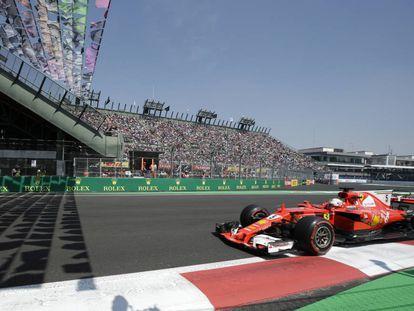 Vettel, tras ganar la pole en el GP de México.
