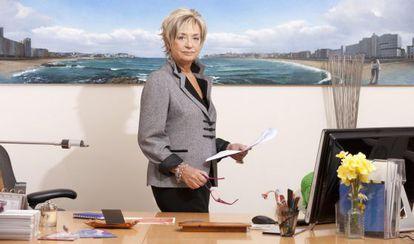 Rosalía Mera en su despacho en la fundación Paideia