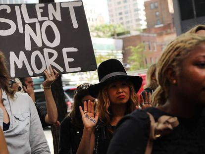 Una protesta en Nueva York, por un caso de agresión sexual.