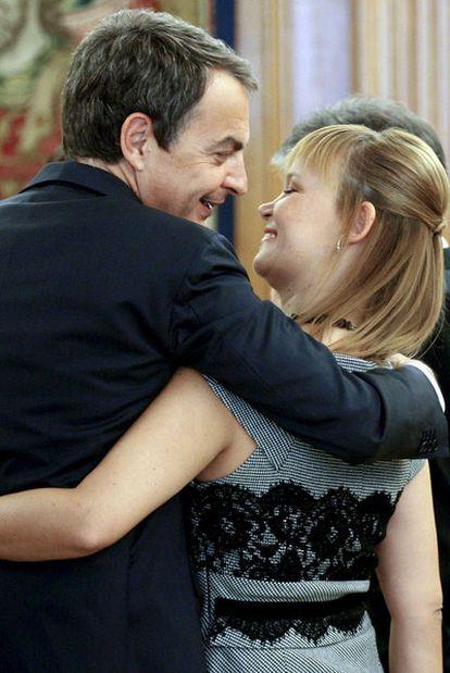 Zapatero y Pajín, tras prometer sus cargos los nuevos  ministros en La Zarzuela.