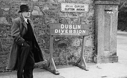 El escritor Flann O'Brian.