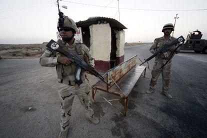 Tropas iraquíes en la frontera con Arabia Saudí.