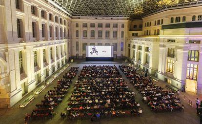 Público asistente a una sesión de Cibeles de Cine en CentroCentro.