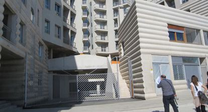 Edificio de viviendas sociales en Terrassa.