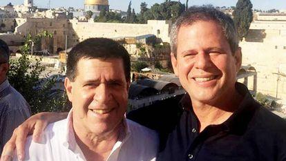 Horacio Cartes y Dario Messer, durante un viaje oficial a Israel.