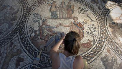Mosaico romano en Cástulo, ciudad romana a cinco kilómetros de Linares (Jaén) que albergó el último puerto del Betis.