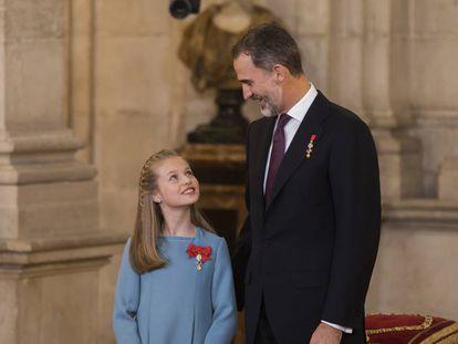 El Rey y doña Leonor en su primer acto oficial en el Palacio Real.