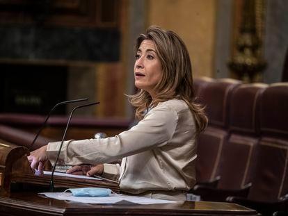 La ministra de Transportes, Movilidad y Agenda Urbana, Raquel Sánchez, durante su intervención en la Cámara baja este miércoles.