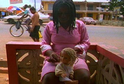 Fotograma de 'Me Broni Ba', película de Akosua Adoma Owusu.