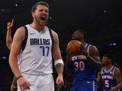 Doncic celebra una canasta en un Knicks-Mavericks.