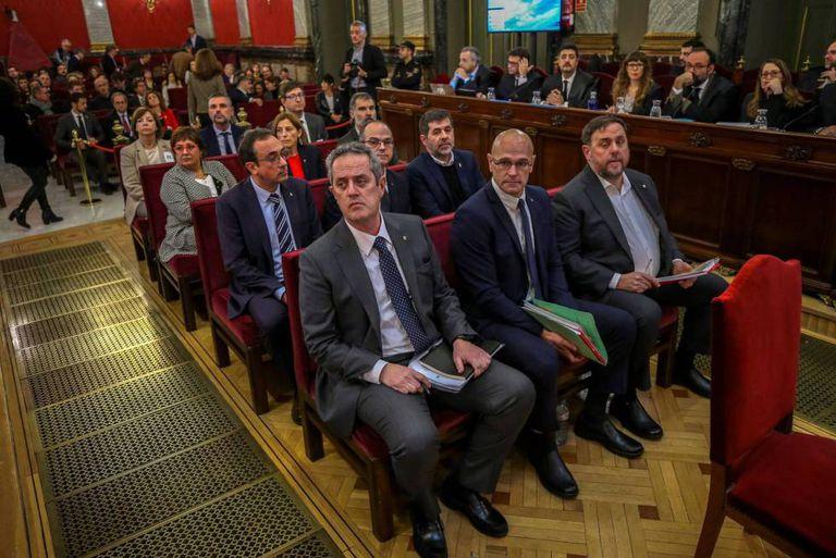 Los 12 líderes independentistas catalanes, en el Tribunal Supremo durante el juicio del 'procés'.