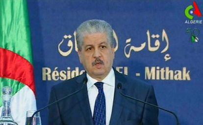 El primer ministro Abdelmalek Sellal, durante la rueda de prensa en Argel.