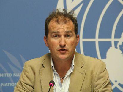 Tarik Jasarevic en una comparencia con los medios sobre el ébola en Ginebra en 2014.