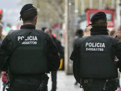 Dos mossos d'Esquadra, en una imagen de archivo.