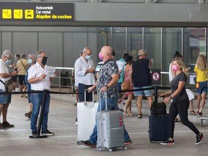 Llegada de turistas al aeropuerto de Málaga, el pasado 19 de julio.