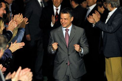 El presidente del PNV, Iñigo Urkullu, celebra en Vitoria la decisión del Constitucional.