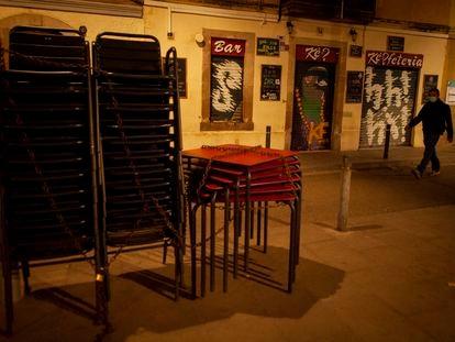 Bares cerrdos en la Barceloneta (Barcelona).