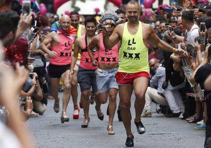 La tradicional carrera de tacones del Orgullo Gay 2017