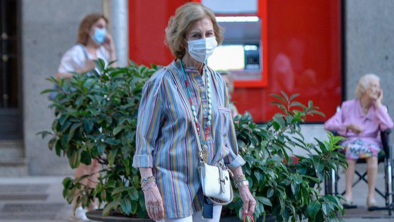 La reina Sofía, este miércoles de compras por Palma de Mallorca.