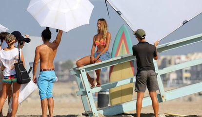 Candice Swanepoel en una sesión de fotos de Victoria's Secret.