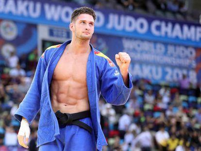 Nikoloz Sherazadishvili celebra el título.