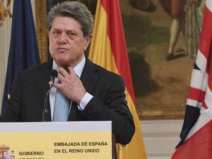 FOTO: Trillo, el pasado jueves en Londres al anunciar su renuncia. / VÍDEO: Declaraciones del exembajador tras su renuncia.