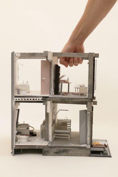 'Your Restroom is a Battleground' es un proyecto de Matilde Cassani, Ignacio G. Galán, Iván L. Munuera, y Joel Sanders.