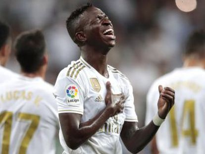 Los goles del renacido Vinicius y el debutante Rodrygo aúpan a la cabeza de LaLiga al equipo de Zidane, plagado de teloneros, vencedor frente a un Osasuna blando en las áreas