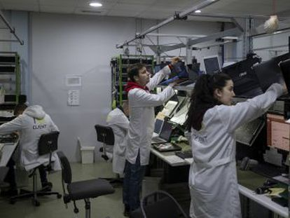 Una tienda de informática de un pueblo de Sevilla se convierte en 15 años en una de las mayores redes de servicio técnico de reparaciones