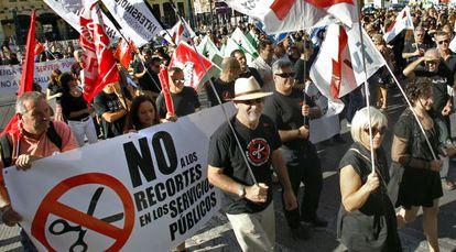 Manifestación de funcionarios en Valencia contra los recortes.