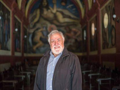 Alejandro Encinas, el viernes en la capilla riveriana de Chapingo.