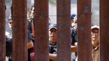 Misa en Nogales (Arizona) por los muertos al intentar cruzar la frontera.
