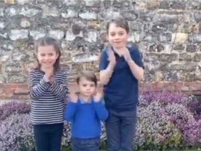 Carlota, Luis y Jorge de Cambridge aplauden en Norfolk.