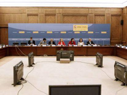 Un momento de la reunión entre representantes del Ministerio de Fomento y las aerolíneas.