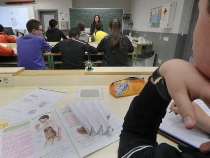 Alumnos en el aula de un instituto público de Zamora.