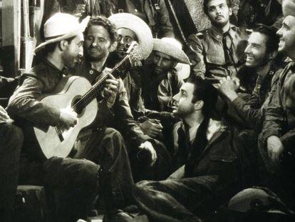 Un fotograma de la película Los últimos de Filipinas.