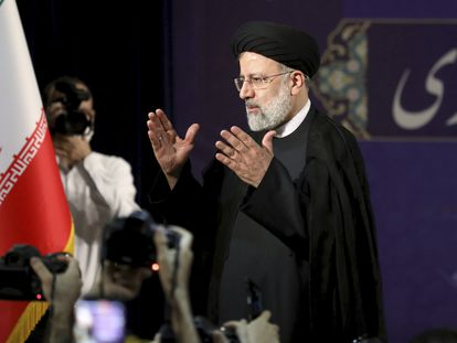 Ebrahim Raisi, el jefe de la judicatura de Irán, en una conferencia de prensa en Teherán, el sábado 15 de mayo, después de registrar su candidatura para las elecciones presidenciales del 18 de junio.