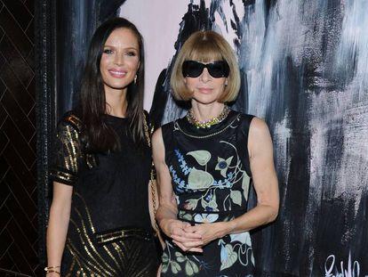 Georgina Chapman (izquierda) y Anna Wintour durante un evento en Nueva York en 2014.