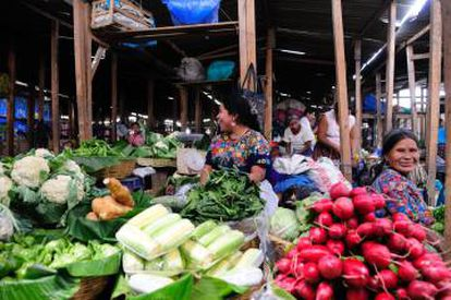 Mercado de frutas y verduras de Antigua (Guatemala).