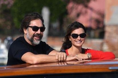 Penélope Cruz y Javier Bardem llegan a Venecia para recoger la Copa Volpi.