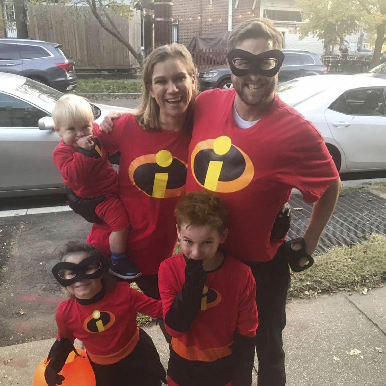 Maeve Kennedy Townsend y su familia en una fotografía de Facebook.